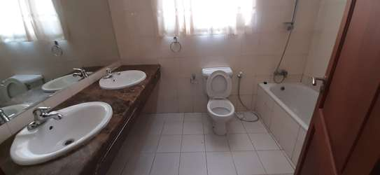 3 Bedroom Spacious Apartment For  Re t in Oysterbay image 7