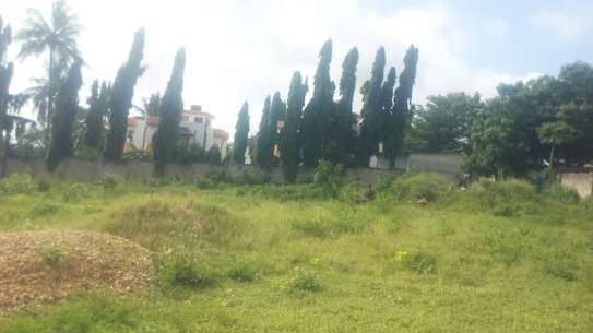 3 actre plot along main rd ideal for  hotel or apartment with sea view $1m image 3