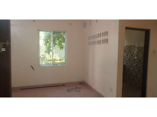 3bed house at mikocheni regent  on main rd i deal for office  with nice price image 5