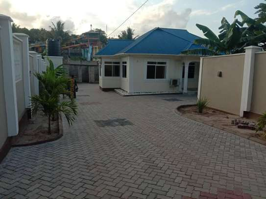 3 bed room big house for sale  at kigamboni image 2