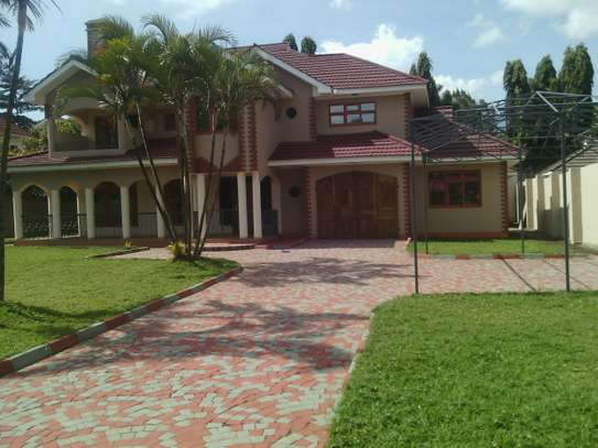4MASTERBEDROOMS HOUSE FOR RENT AT UZUNGUNI ARUSHA