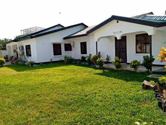 4 bed room stand alone for rent at masaki image 1