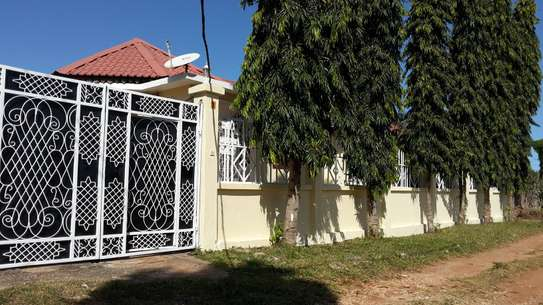 4 Bdrm Villa Self Contained House in Zanzibar