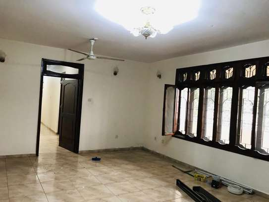 8 bedrooms bungalow house available for rent in Upanga image 5