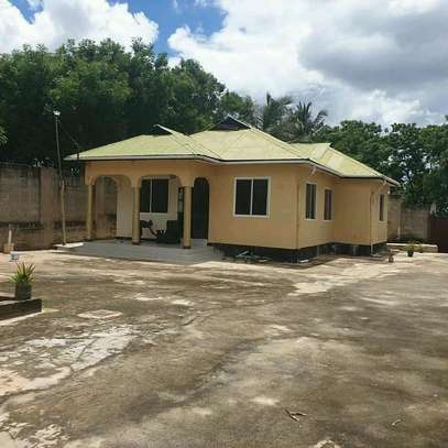 HOUSE FOR SALE SALASALA image 5