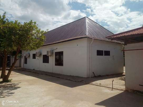 2Bedrooms House at Oyster bay $800pm image 8