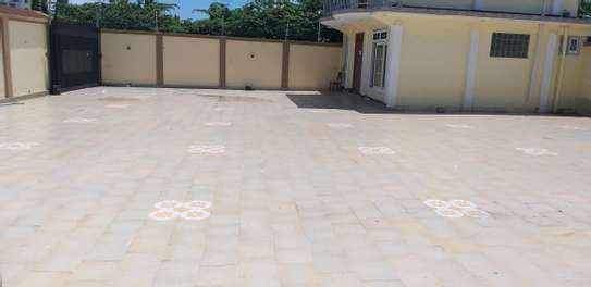 6BEDROOMS HOUSE 4SALE AT KINONDONI image 7