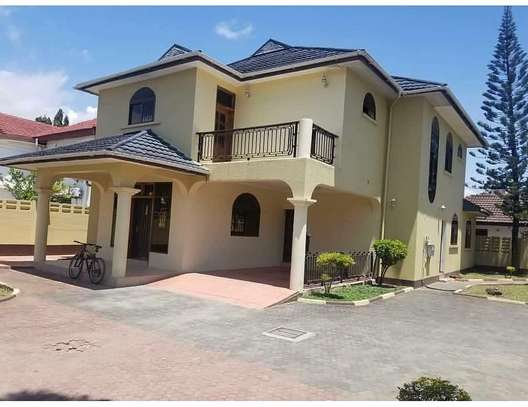 4 bedroom house to rent in MIkocheni, Dar es Salaam image 1
