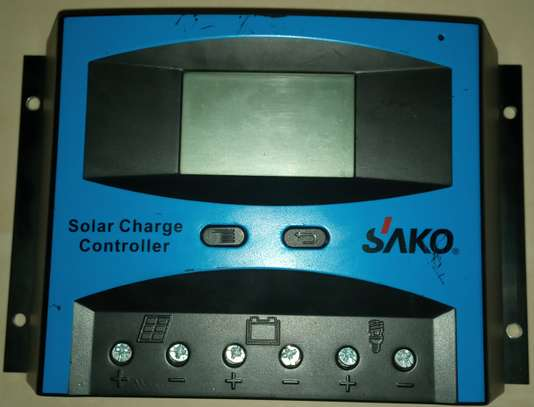 Solar charge controller image 1
