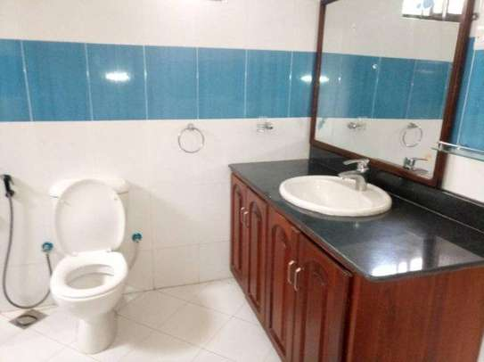 4bed house along main rd kawe beach $1300pm i deal for office cum residance image 8