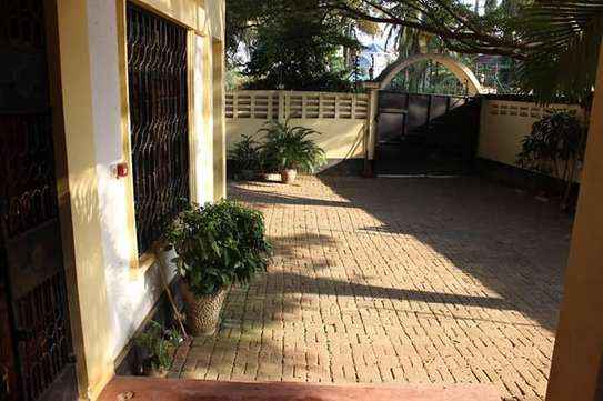 Single-family detached home for rent Msasani. image 3