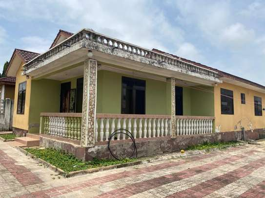 HOUSE FOR SALE AT UNUNIO image 1