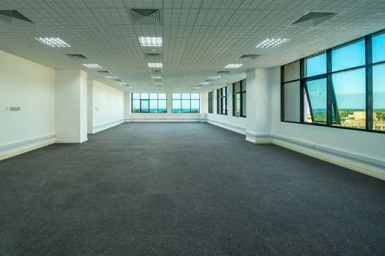 180 Sqm Plus Office Space At City Center image 1