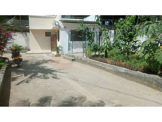 1 bed room house for rent at msasani image 3