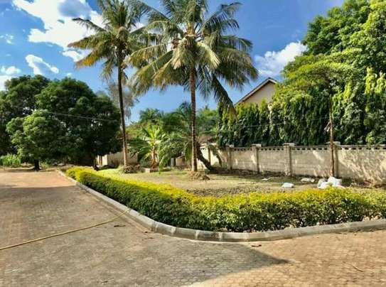 a stand alone house is for rent at mbezi beach near road to whitesands image 4
