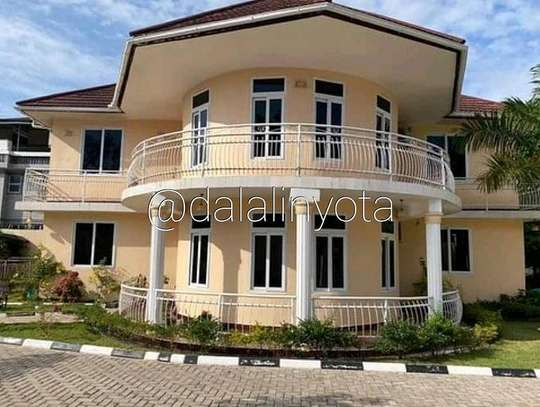 4 BDRM HOUSE AT MBEZI BEACH image 2