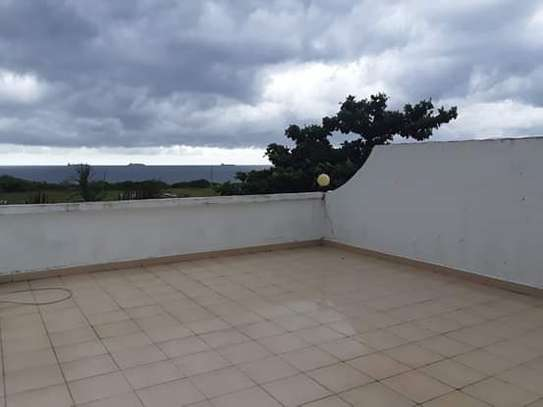 4 Bdrm Luxury Full Furnished Ocean View TownHouse in Masaki image 13