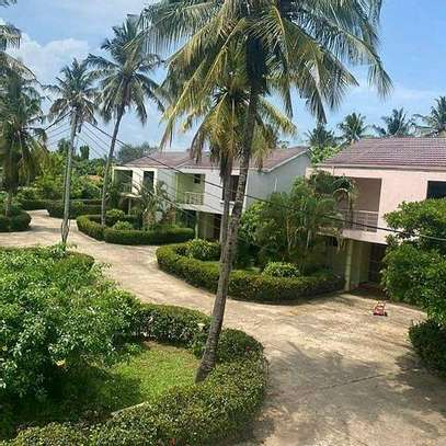 VILLA FOR RENT MBEZI BEACH image 1
