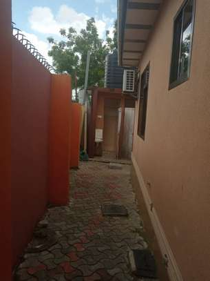4bed room house at kimara full air conditioning kila chumba  tsh 700000 image 13