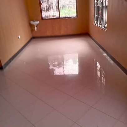 3 bed room all ensuet house for rent tsh 800000 at survey ardh image 8