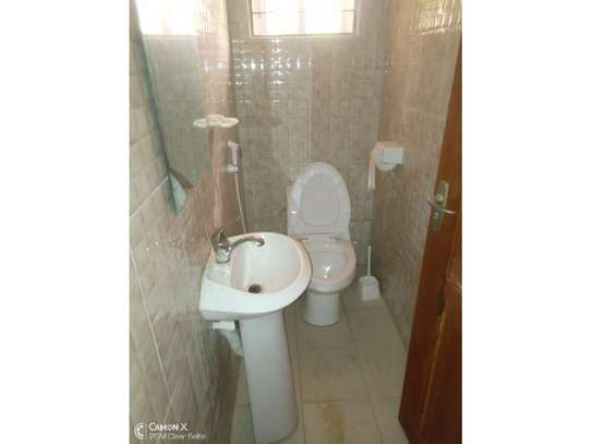 4bed house at oyster bay with big compound $3500pm image 8