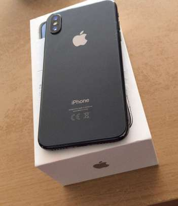 iPhone X 256GB Discount 35% image 1