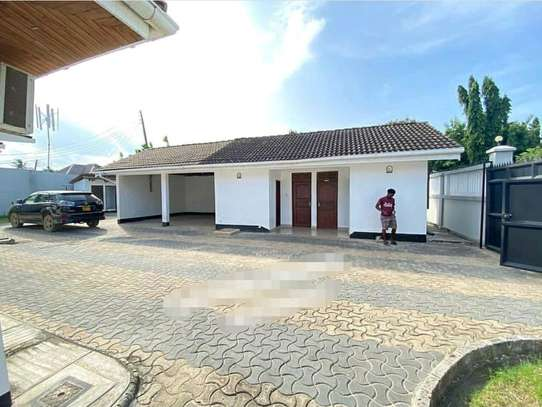 MBEZI BEACH...a 4bedrooms all self containd standalone is for rent image 2