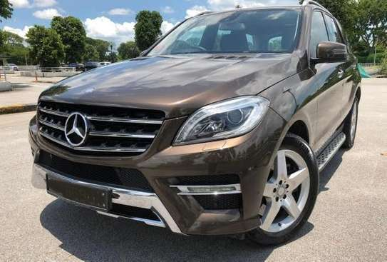2014 Mercedes-Benz ML400 4MATIC USD 22,000/= UP TO DAR PORT TSHS 88.9MILLION ON THE ROAD image 3