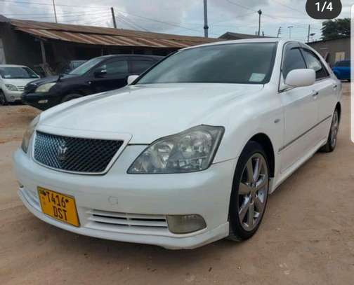 2006 Toyota Crown image 1