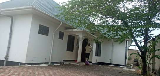 3 bed room house for sale at kigamboni toa ngoma image 7