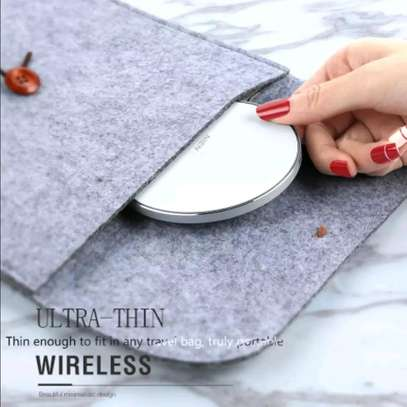 NIEN Wireless Charger - White image 6