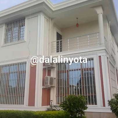 AMAZING BIG HOUSE FOR RENT STAND ALONE image 7