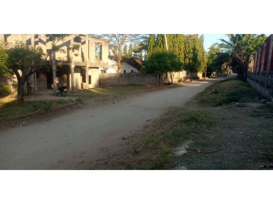 un finshed 4bed double storie at mbezi beach  1200sqm area image 6