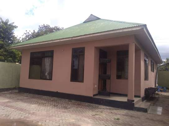 house for sale at bunju A ziko 2 kila moja inavyumba 2 tsh 100million image 1