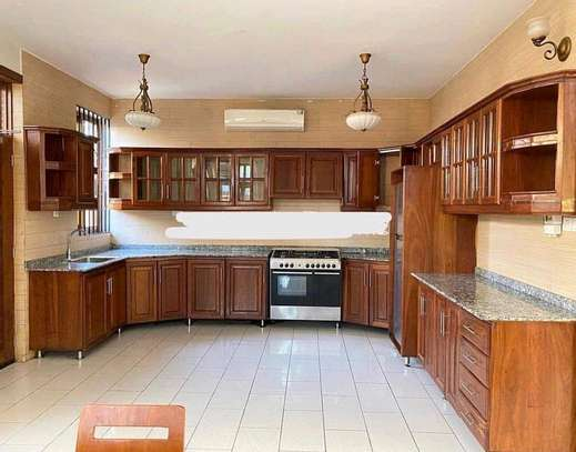 3BEDROOMS FULL FURNISHED FOR RENT image 2