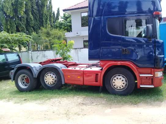 2003 Scania 124 420 6x2 TRACTOR image 2