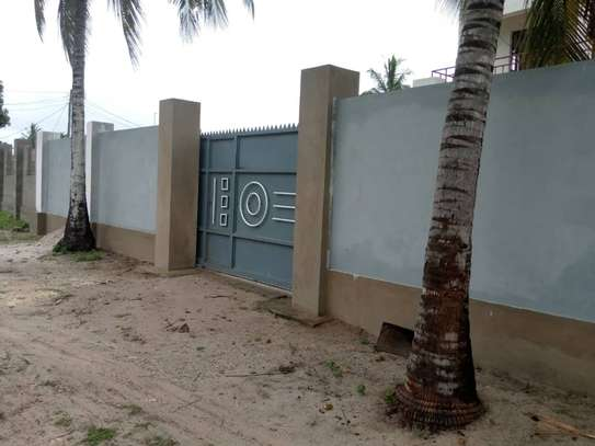 3 bed room house for sale at kigamboni ungindoni image 6