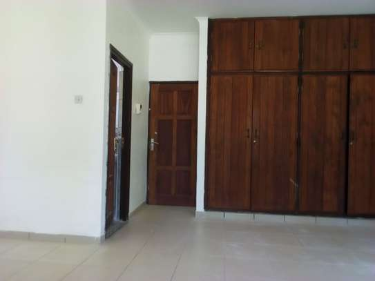 3bed house for office  along main rd at mikocheni a image 6