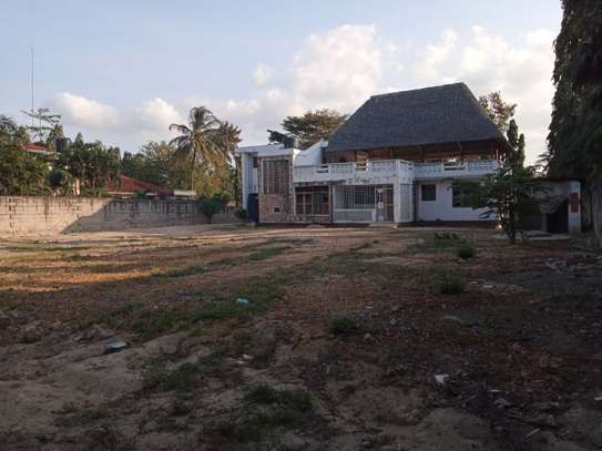 5 Bdrm House at Mikochen a $800pm with Big compound image 12