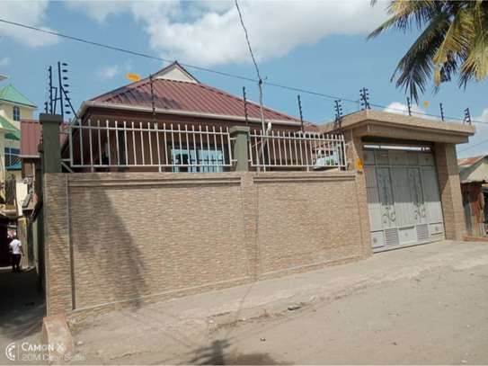 house for rent at kinondoni 800000