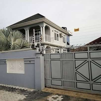 Four Bedrooms Stand Alone House with Servant Quarter image 3