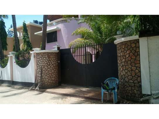 5bed town house at msasani,office,residance $1000pm image 10