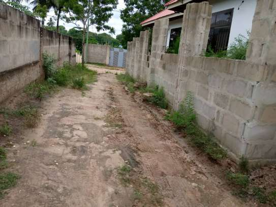 3 bed  house for sale tsh 45ml  at goba 2 km from the road, plot area sqm 400 image 9