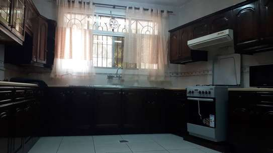 Furnished 4 bedrooms Villa for rent at Oysterbay image 8
