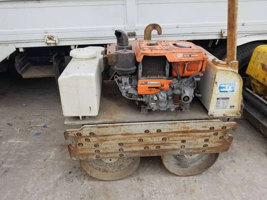DOUBLE HAND COMPACTOR image 9