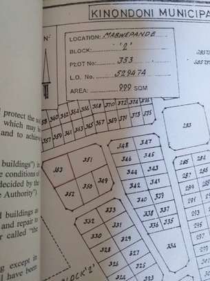 Clean plot for sale with clean title deed Mabwepande. image 1