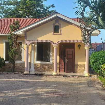 HOUSE FOR RENT MBEZI BEACH