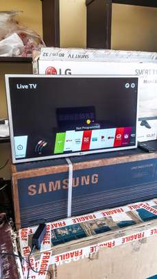 LG 32 Smart LED TV image 2