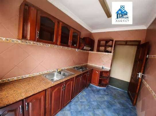 Three  bedrooms apartment for rent image 3