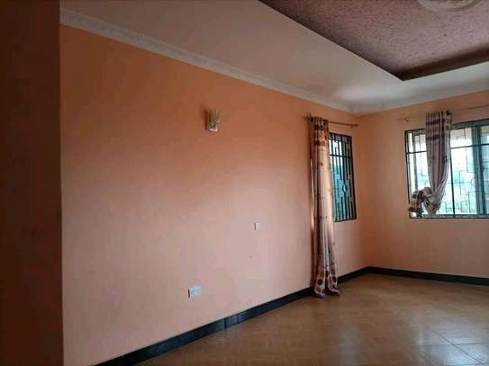 HOUSE FOR SALE SQM 900 image 2